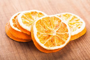 Dry orange slices