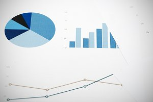 Business graphics. Analysis of financial data.