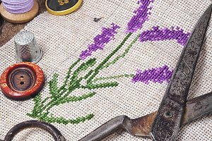 Lavender bouquet embroidery