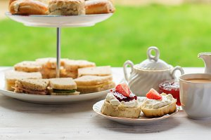 English cream teas scones