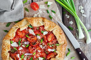 Galette with tomato,cheese and onion