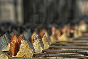 Drying smoked herring