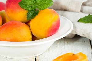 apricots and mint