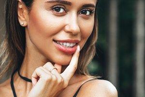 Portrait of smilling brunette woman