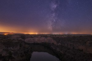 Milky Way over Duratón river
