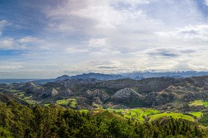 Viewpoint of Fito, view of the Picos de Europa. Asturias, Spain 2.jpg