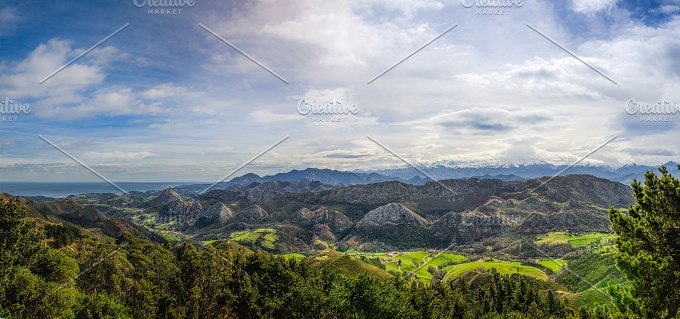 Viewpoint of Fito, view of the Picos de Europa. Asturias, Spain 2.jpg - Nature