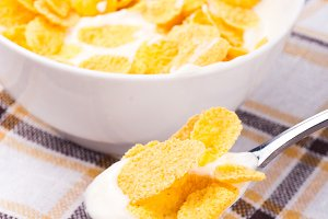 Cornflakes with yoghurt