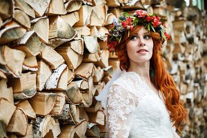 Boho bride with red hair