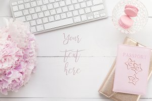 Pink gerberas and macaroons desktop
