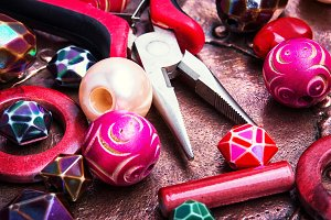 Colorful beads and working tool