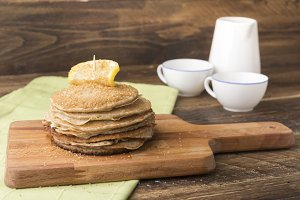 Pancakes lemon and sugar