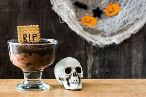 Halloween chocolate mousse
