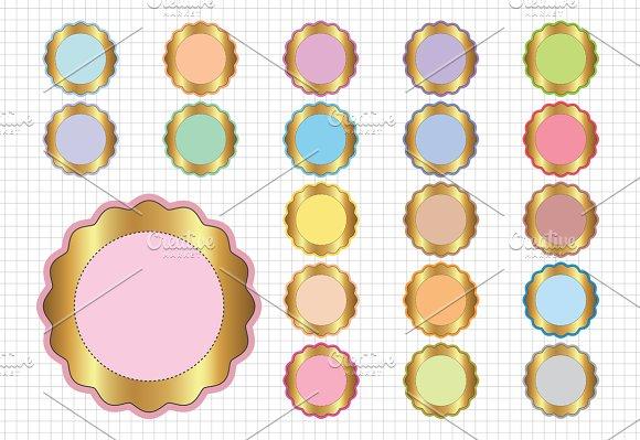 Scalloped Circle Frame
