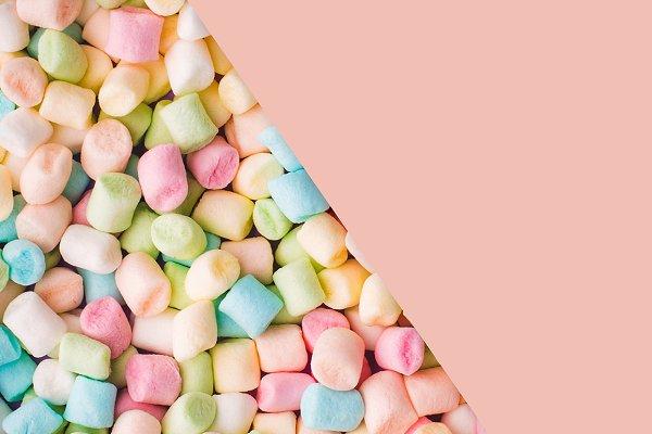 Marshmallow Pattern And Orange Bloc…
