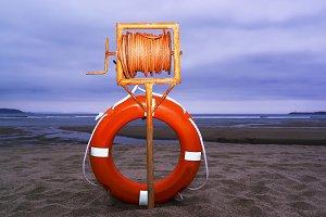 life buoy , ring buoy