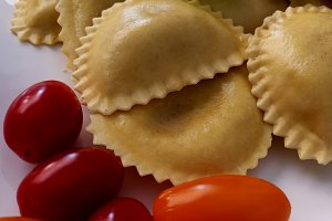 Ravioli and cherry tomatoes