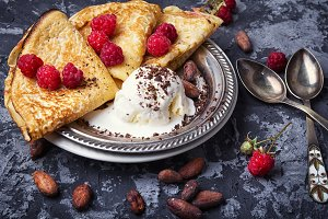 rustic pancakes with berries