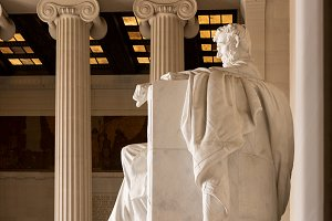 Side view of President Lincoln statue