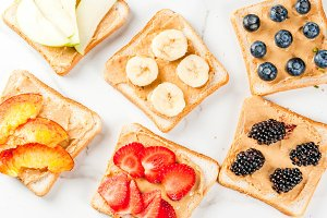 Toasts with peanut butter and berry