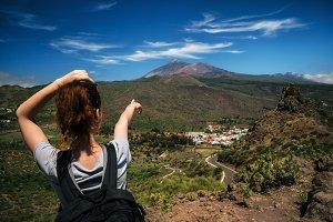 Tourust indicates Teide volcano
