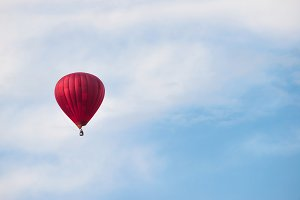 Red balloon in the blue sky