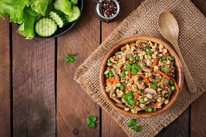 Pearl barley porridge with mushrooms