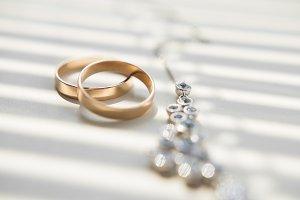 Golden wedding rings and juvelery, macro