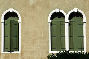 Green windows in Venice