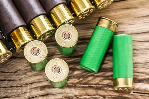 Hunting cartridge for pump shotgun