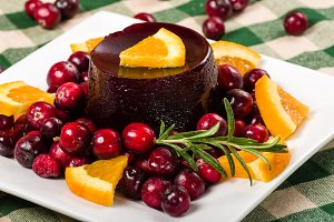 Jellied cranberries with oranges