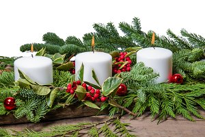 White candle center piece