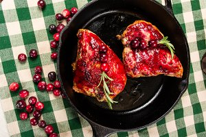 Chicken breasts with cranberries