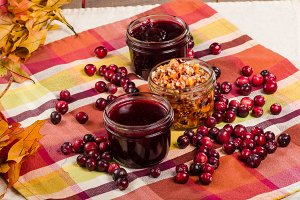 Cranberry sauce with fall leaves