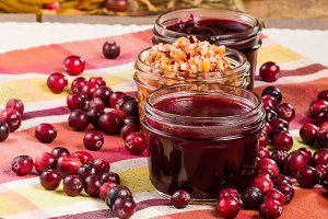Apple relish with cranberries