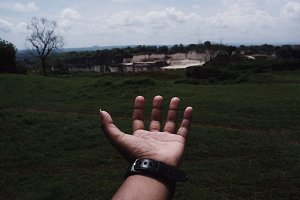 Hand in frame