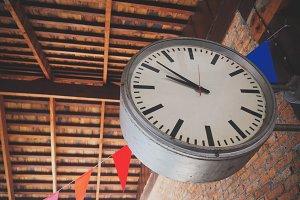 Big Retro Clock