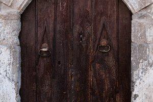 Turkish dog secures door