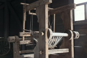 Old age wooden loom machine, vertical