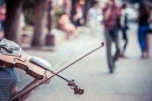 Street musicians, violin