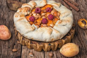 Apricot tart flan
