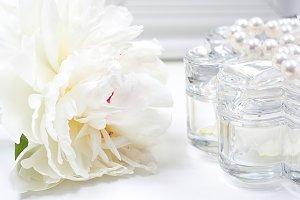 White peony, crystal box, necklace