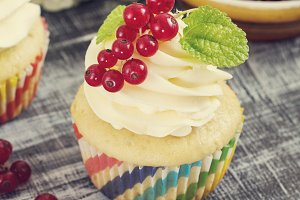 Delicious cupcakes with berries