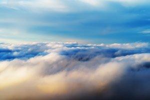 Horizontal vibrant blank empty dramatic cloudscape success backg