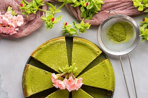 Green matcha cheese cake