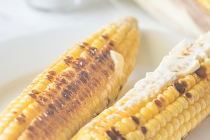 Grilled corncorbs