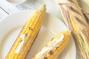 Grilled corncorbs
