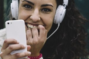 Girl who listens to music