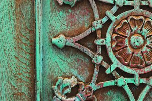 Weathered pattern in turquoise