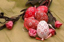 Varios huevos de pascua decorados (10).jpg